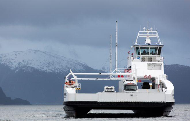 ferry eléctrico siemens