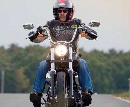 H-D, Harley - Davidson.